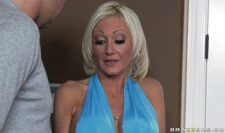 Savory blonde Torrey Pines gets her juicy love tube fingered